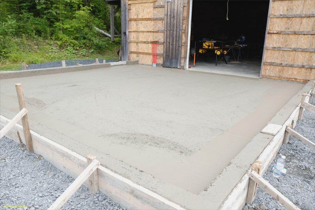 Étapes pour couler une dalle en béton d'extérieur