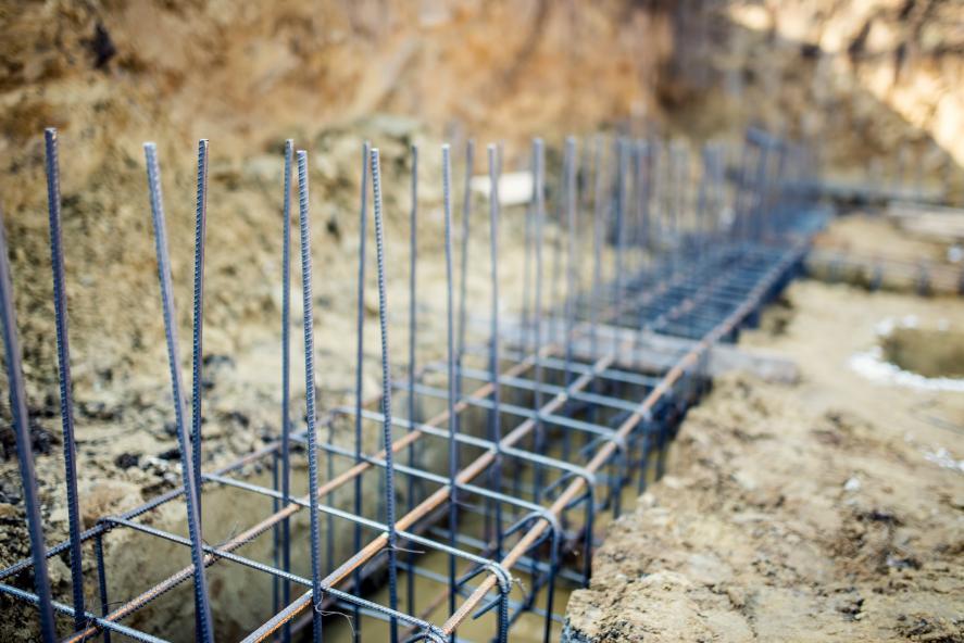 Tout savoir sur les fondations en béton pour clôture