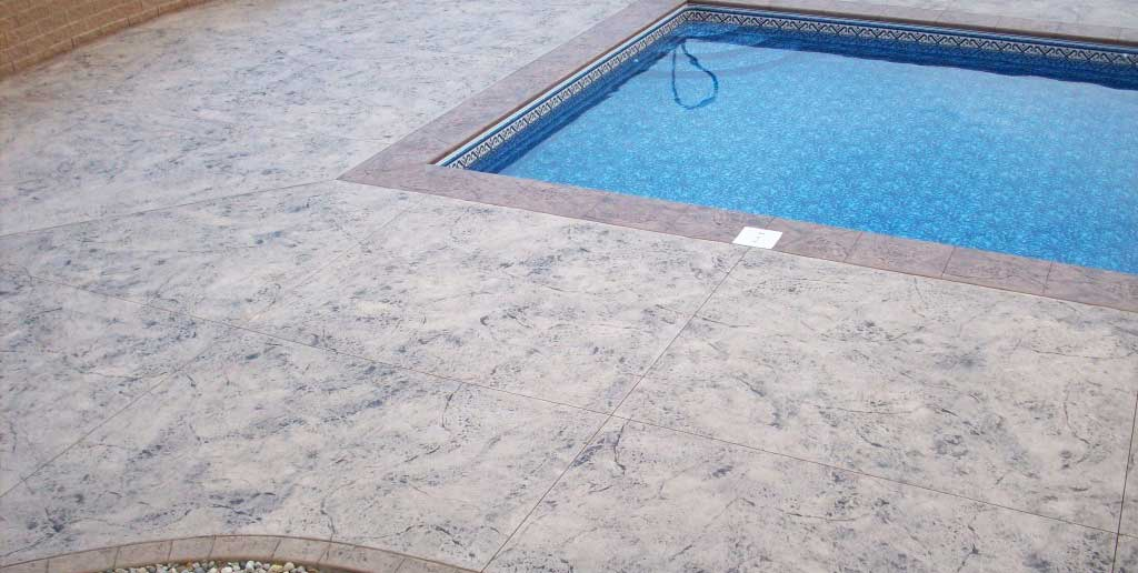 Dalle béton pour piscine: Avantages et Types.